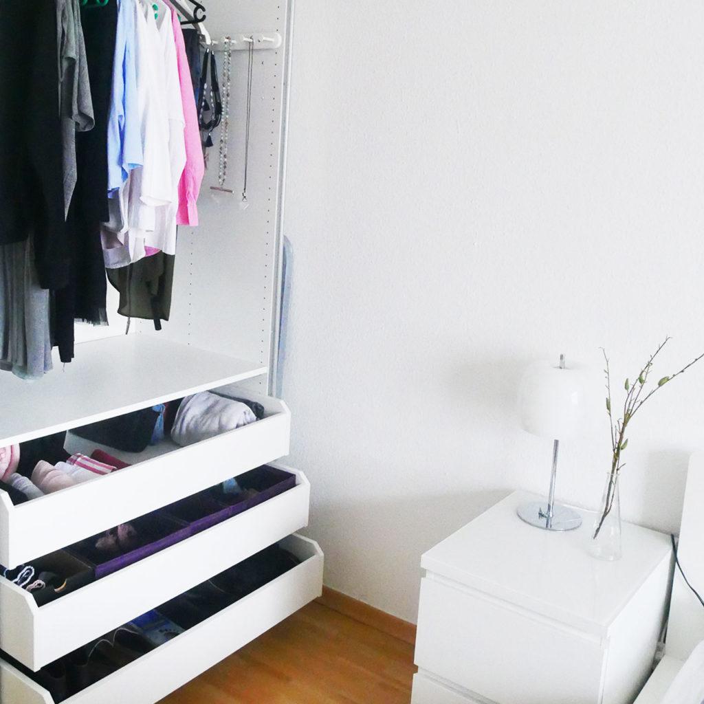 Schlafzimmer Kleiderschrank Aufgeräumt Ordnung Ordnungscoaching Lisa Schäfer